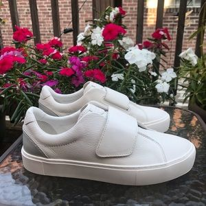 🆕 Ugg Neri White Leather Sneakers size 9.5